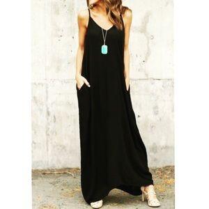 Dresses & Skirts - ✨RESTOCK✨Black loose fit pocket tank maxi dress